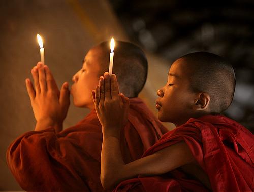 Image result for imagem de rezando