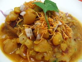 Ujwal's Kitchlab: Ragda Patties with a twist!