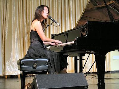 Exquisiteces Vienna Teng La Chica Del Piano