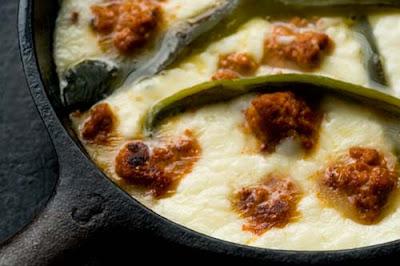 queso flameado