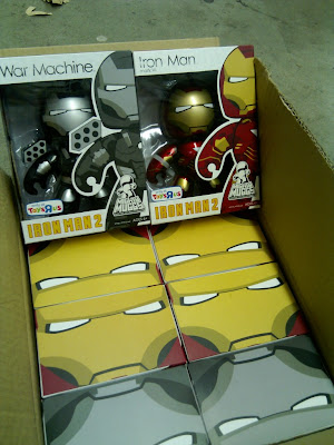 Toys R Us Exclusive Iron Man 2 Mighty Muggs Wave - War Machine & Iron Man Mark VI with Metallic Paint Mighty Muggs