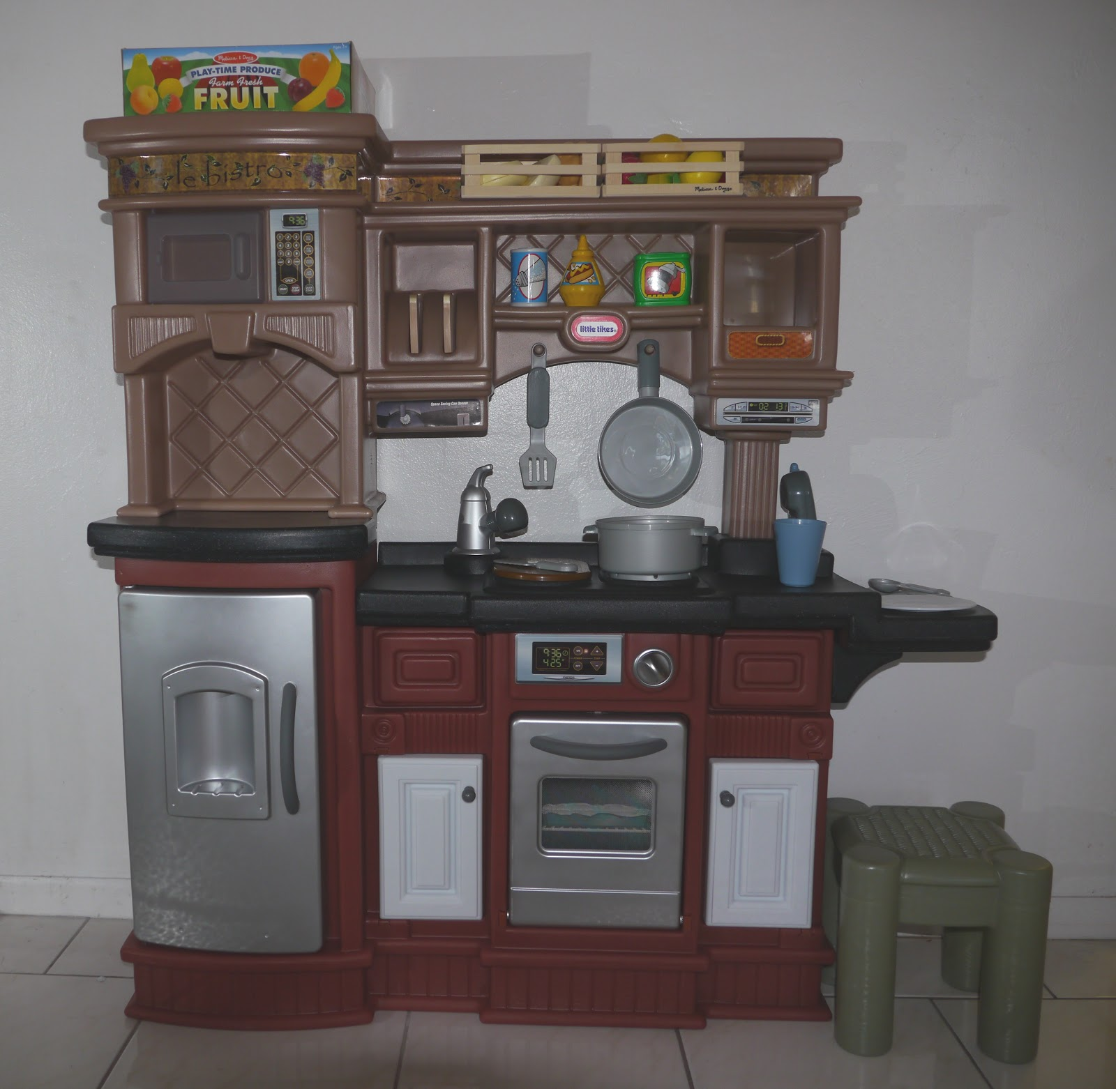 Kitchen Little: Keeping Up With Kids: Little Tikes Prep'n Serve Kitchen Review