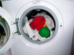Palline Di Ceramica Per Lavatrice.Il Disinformatico Biowashball Ne Parla Stasera La Tv Svizzera
