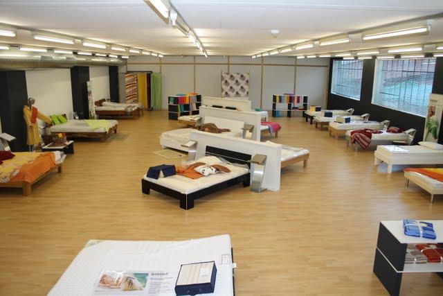 maison de la literie. Black Bedroom Furniture Sets. Home Design Ideas
