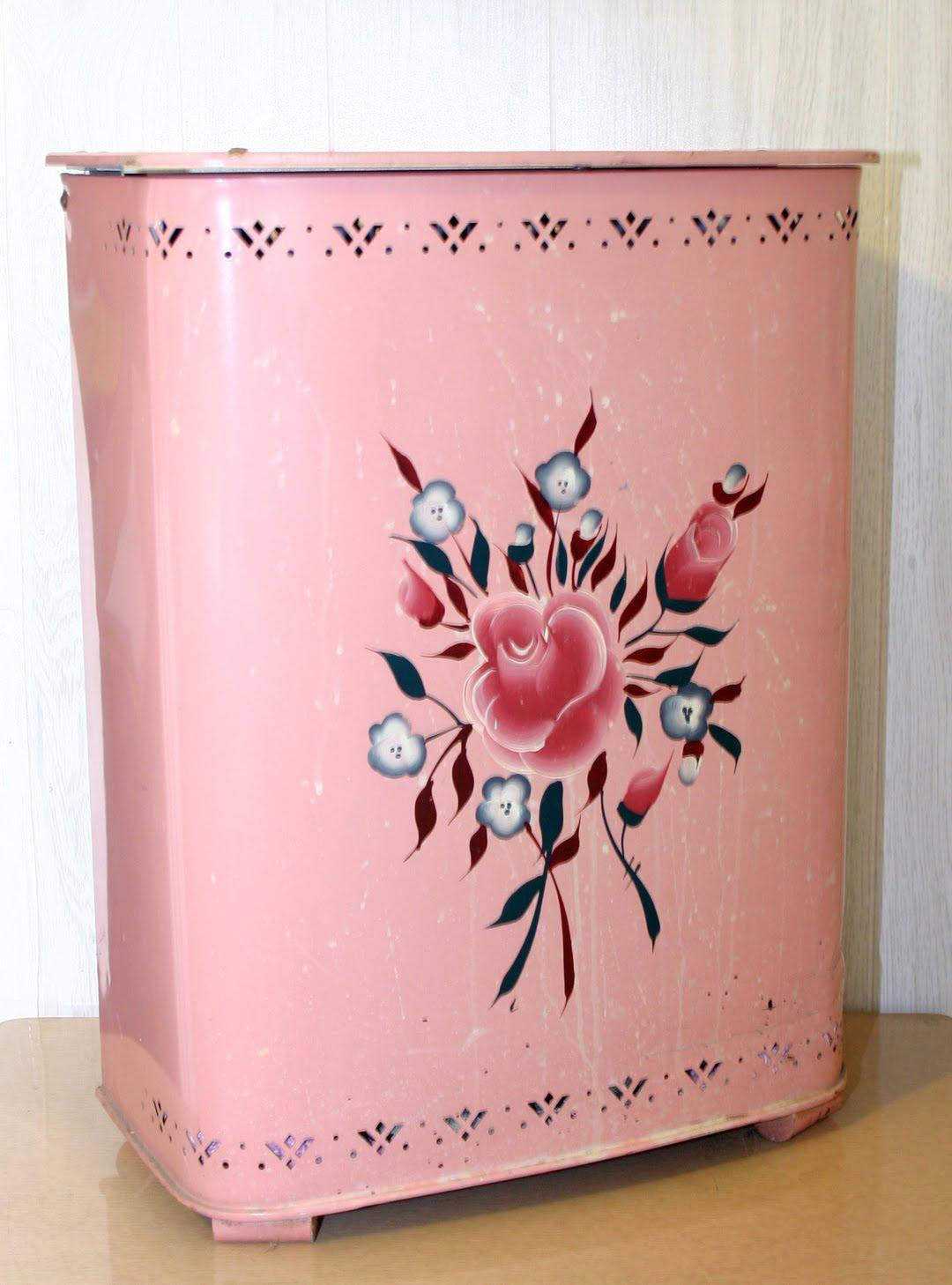 C Dianne Zweig Kitsch N Stuff Decorating Your Pink