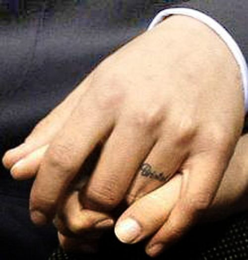 Queen Of Tattoo: Best Art Wedding Ring Tattoo Designs