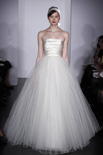 caabb022 jeweled-shoes-snag-on-wedding-dress.html in ysazyxu.github.com | source  code search engine