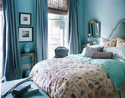 Бирюзовая спальня, фото интерьера.