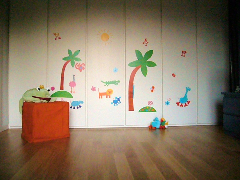 Voglio una mela blu decorare le pareti della cameretta - Stencil pareti ikea ...
