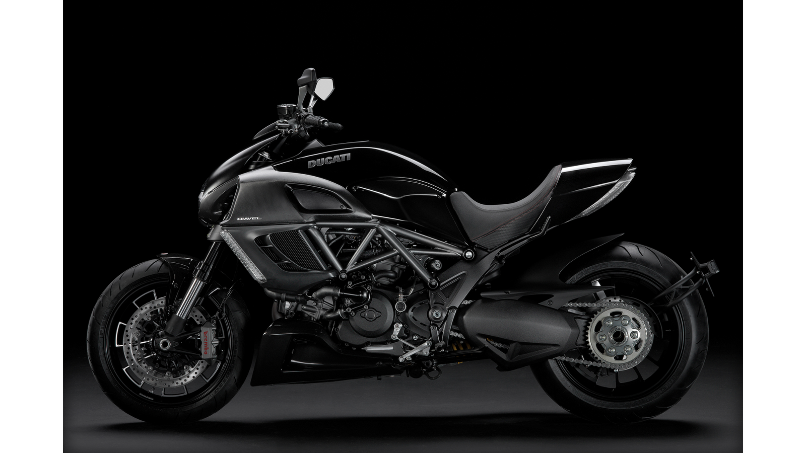 motorcycle motor models 2011 ducati diavel. Black Bedroom Furniture Sets. Home Design Ideas