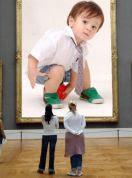 foto su cartellone al museo