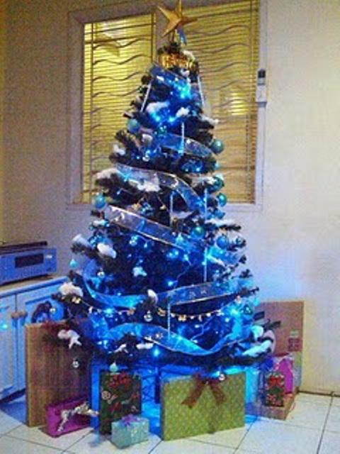 The ROMP Family: 35+ Ide Hiasan Pohon Natal Nuansa Biru