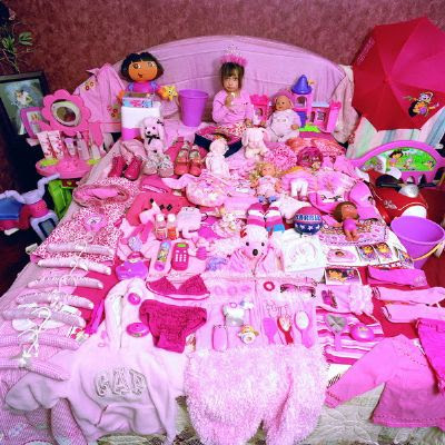 Pink_Project_Alexandra_and_her_pink_things_redimensionar.jpg