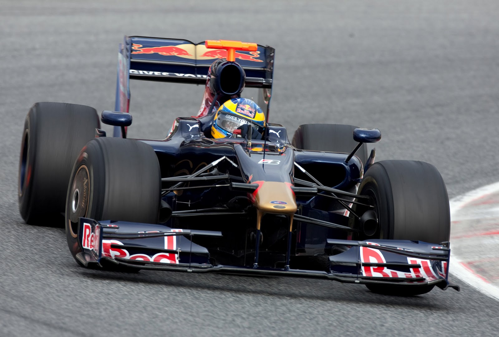 Toro Rosso making most of Ferrari KERS expertise | Electric