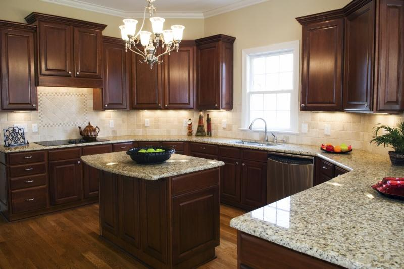 Kitchen Backsplash Ideas With New Venetian Gold Granite