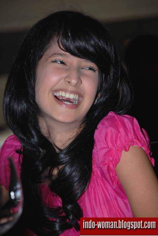 Photo collection of Afifa Shafira indonesian beauty actress new comer