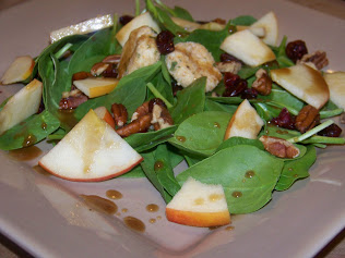 Spinach Salad with Goat Cheese and Apples