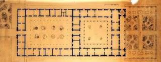 algunos arquitectos afirman que es el resultado de modificar la casa colonial o criolla de patio central y perifricas partindola al