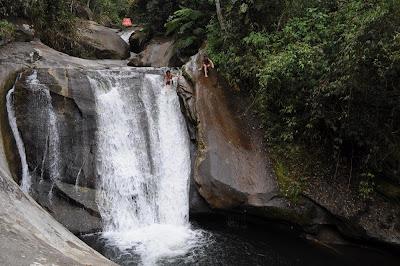 viajando sem frescura rio de janeiro rj sana macae região serrana cachoeiras camping mãe