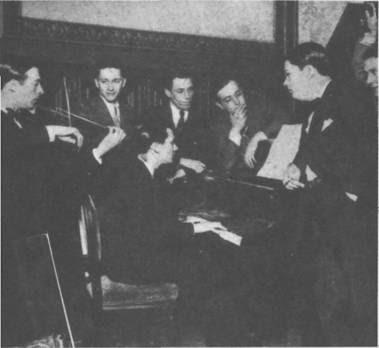 Anibal Troilo con sexteto Anibal Vardaro en 1933