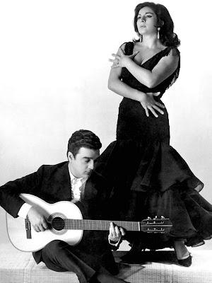 Lola Flores y 'El  Pescailla' en 1960