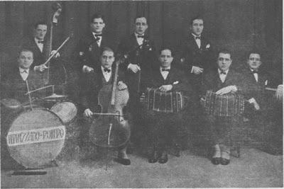 Agesilao Ferrazzano en 1927 cuando codirigia la Orquesta Ferrazzano Pollero