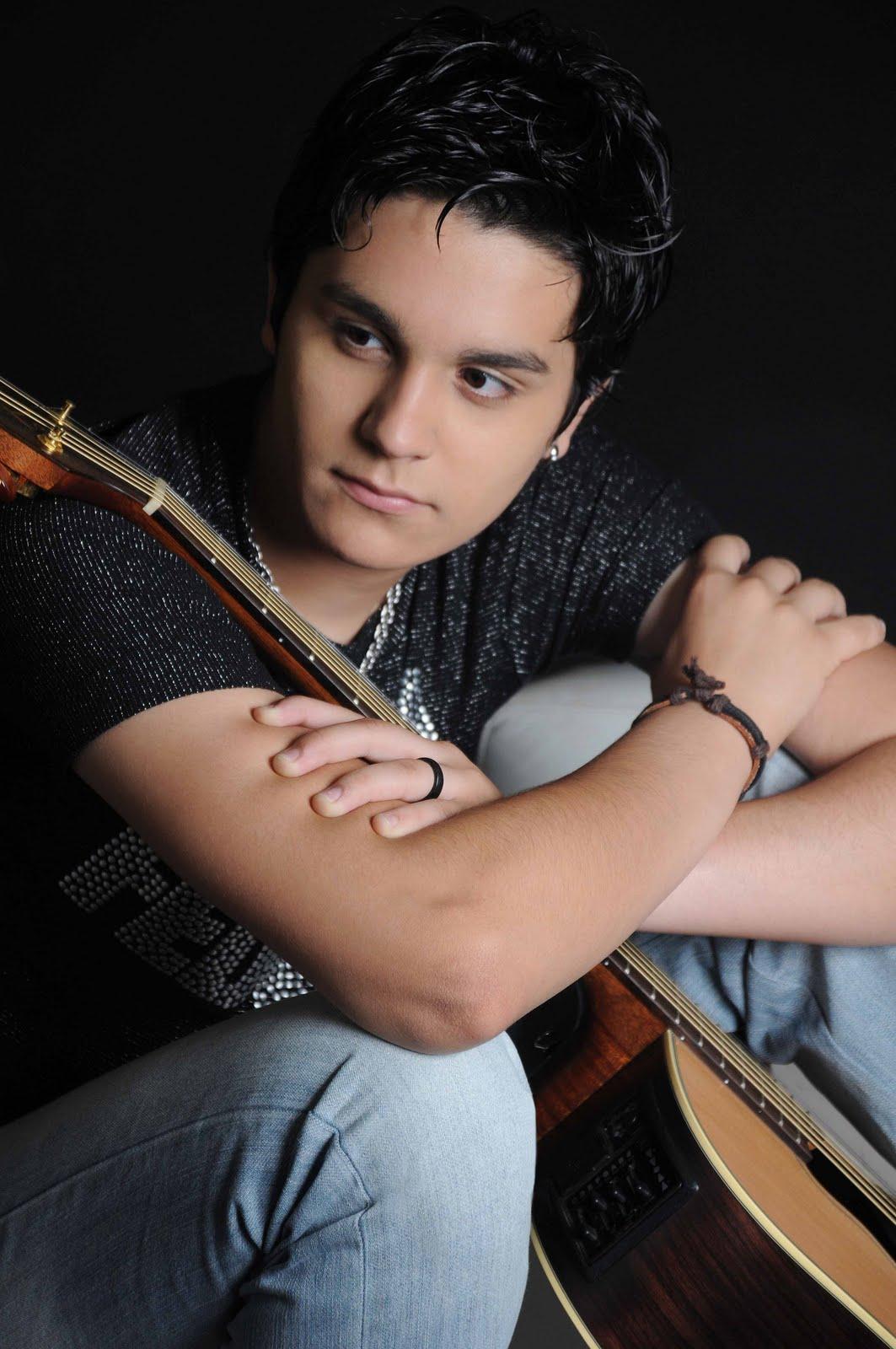 Biografia de Seu Artista*: Luan Santana