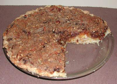 The Iowa Housewife Apple Streusel Mince Pie