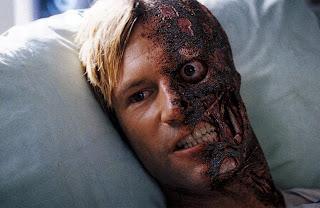 Two Face 6711 - Dos Caras esta muerto. Eckhart no regresa a The Dark Knight Rises.