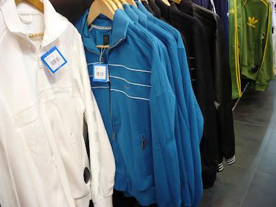 Les3bandes: Veste adidas Vespa bleue Nouvelle collection