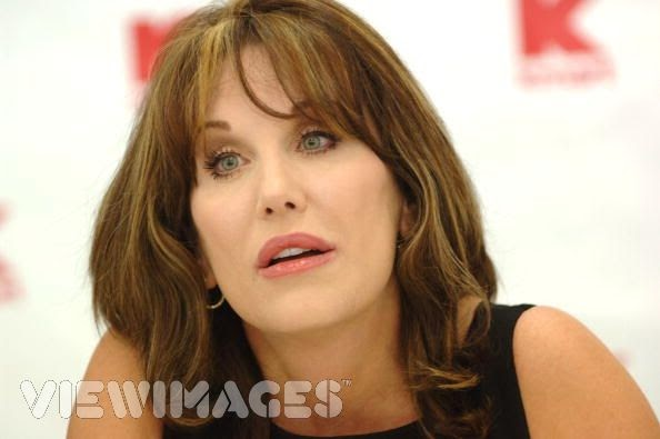 LuLu And Moxley: Robin McGraw Writes Book; Unaware She