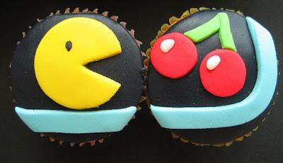 Hmmm yummy pacman cupcakes