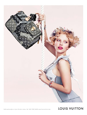 efe95c8942f90 These are new images of Louis Vuitton s Spring Summer 2007 ad campaign.  They feature the always hot Scarlett Johannson as well as some new bags.