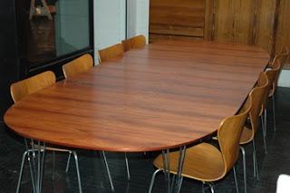 Modernlink Piet Hein Super Ellipse Table