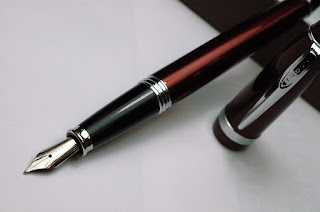 Review : Cross Affinity Crimson Red Fountain Pen
