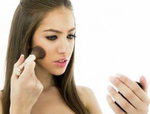 Beauty Woman: 7 Great Steps to Have the Perfect Makeup