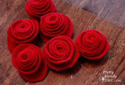 Create Felted wool roses tutorial
