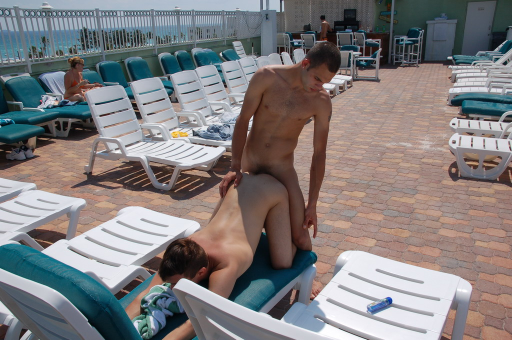 Amateurs Performing in Gay Public Sex