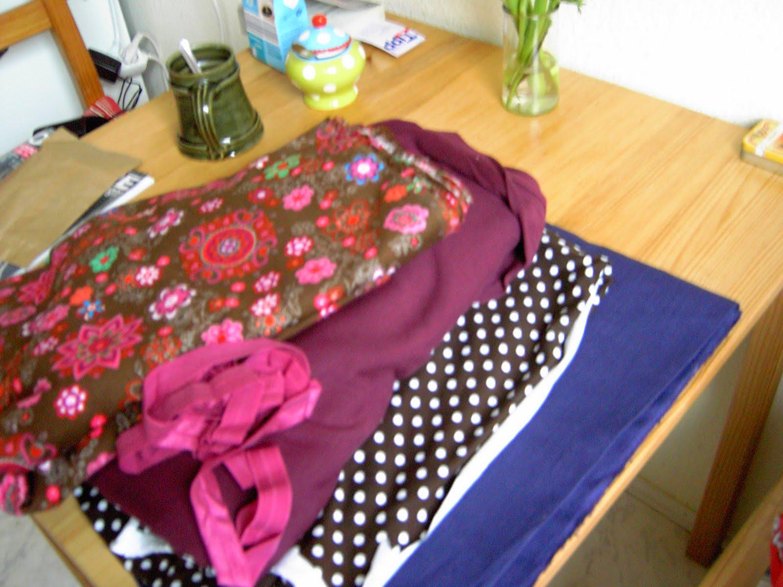 floralora macht zeugs stoff und schal. Black Bedroom Furniture Sets. Home Design Ideas