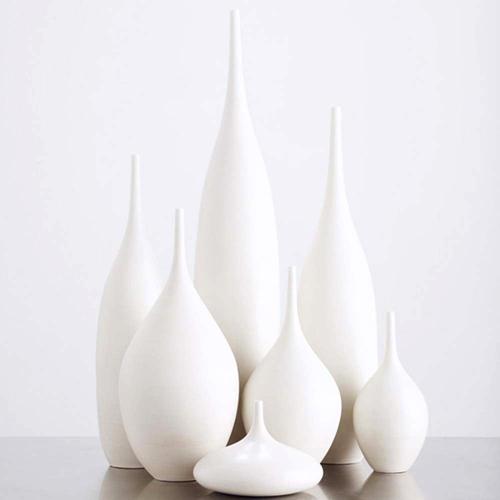 honey and the moon wonderful white vases. Black Bedroom Furniture Sets. Home Design Ideas