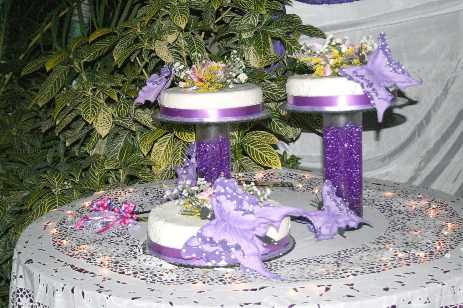 Tortas de 15 a os color violeta for Decoracion de tortas espejo