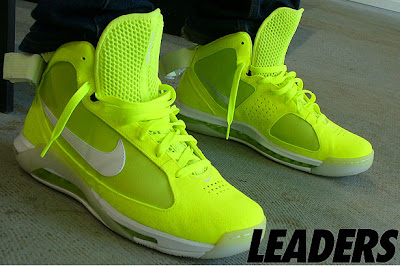 423ba363a Neon mesh upper and tennis ball felt around the majority of the shoe. Clear  sole and max air yellow unit that plays around the entire shoe.