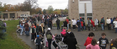 Thousands line up for hours to get H1N1 vaccine in Clarkson,MI