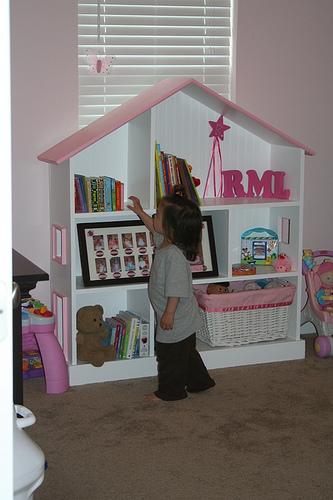 Dollhouse Bookcase Diy: Crafty Ideas 101: Build A Dollhouse Bookcase