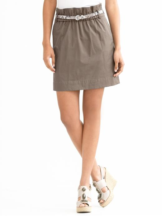4c26db9b92 ... don't want to mess with zippers and pleats. Here are some inspirations  for this type of more playful, basic skirt with smaller, modified paper bag  top: