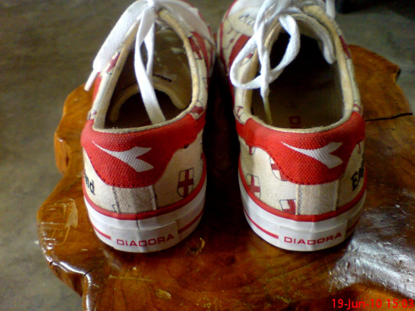 dc5fbf65db550 kasut diadora vintage!!(SOLD OUT). haha..ni khas untuk korg yg minat  england.dlm