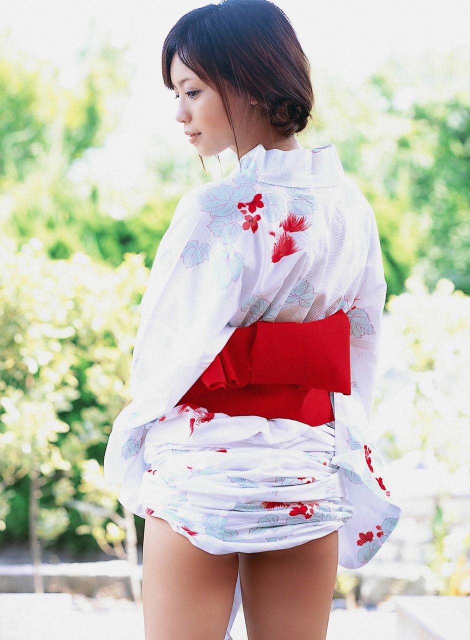 Reimi Tachibana in white kimono01 | japanese girls 2011