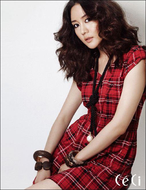 Sung Yuri beautiful girl in the industry Idol Top 10 most