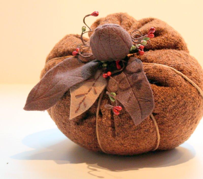 d9f66d99fb294 Fall Fabric Pumpkin Tutorial - The Cottage Mama