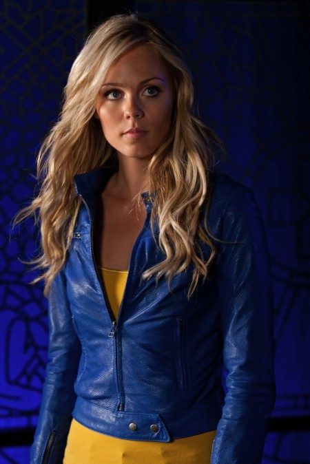 Gfest: Laura Vandervoort from SMALLVILLE is one Sexy Supergirl